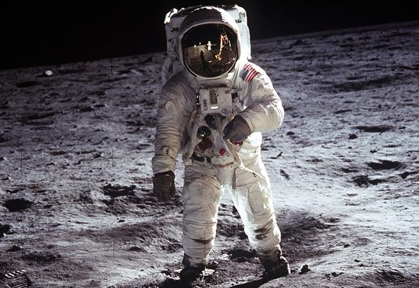 neil armstrong in spacecraft - photo #18